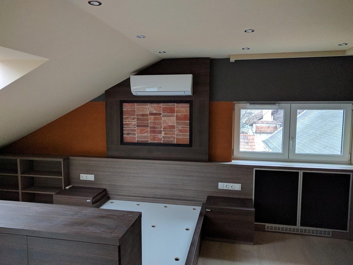 Tetőtéri szoba festés után